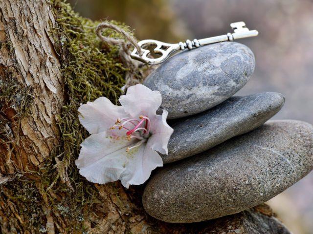 Steine und Schlüssel